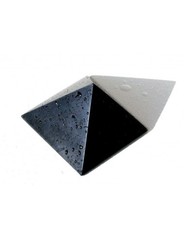 Pyramida šungit M2 - 5x5 cm